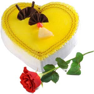 gai heartshape pineapple cake 1 5 kg with rose gaiv1503