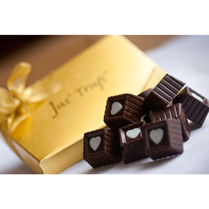 heart view box premium chocolates