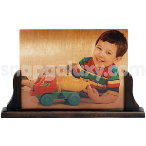 photo-gold-metal-frame-with-stand