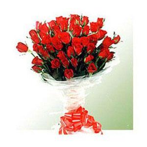 red roses 40 with seasonal fillers feelings
